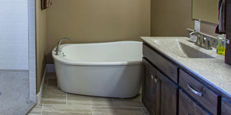 Unique Free-Standing Tub